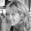 Tina tutors English in Dundalk, MD