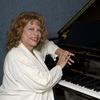Linda tutors Voice in Federal Way, WA